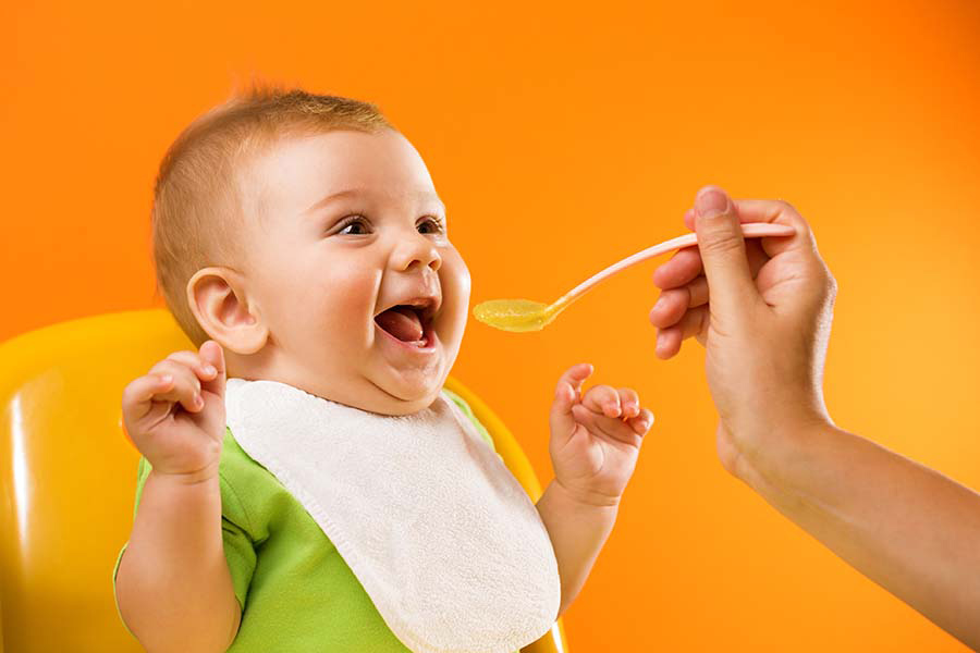 FAQs About Feeding Babies Solid Foods