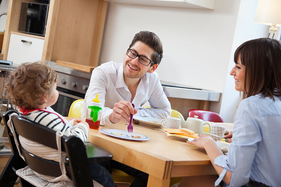 Peaceful Mealtimes with Toddlers? Try These 9 Tips